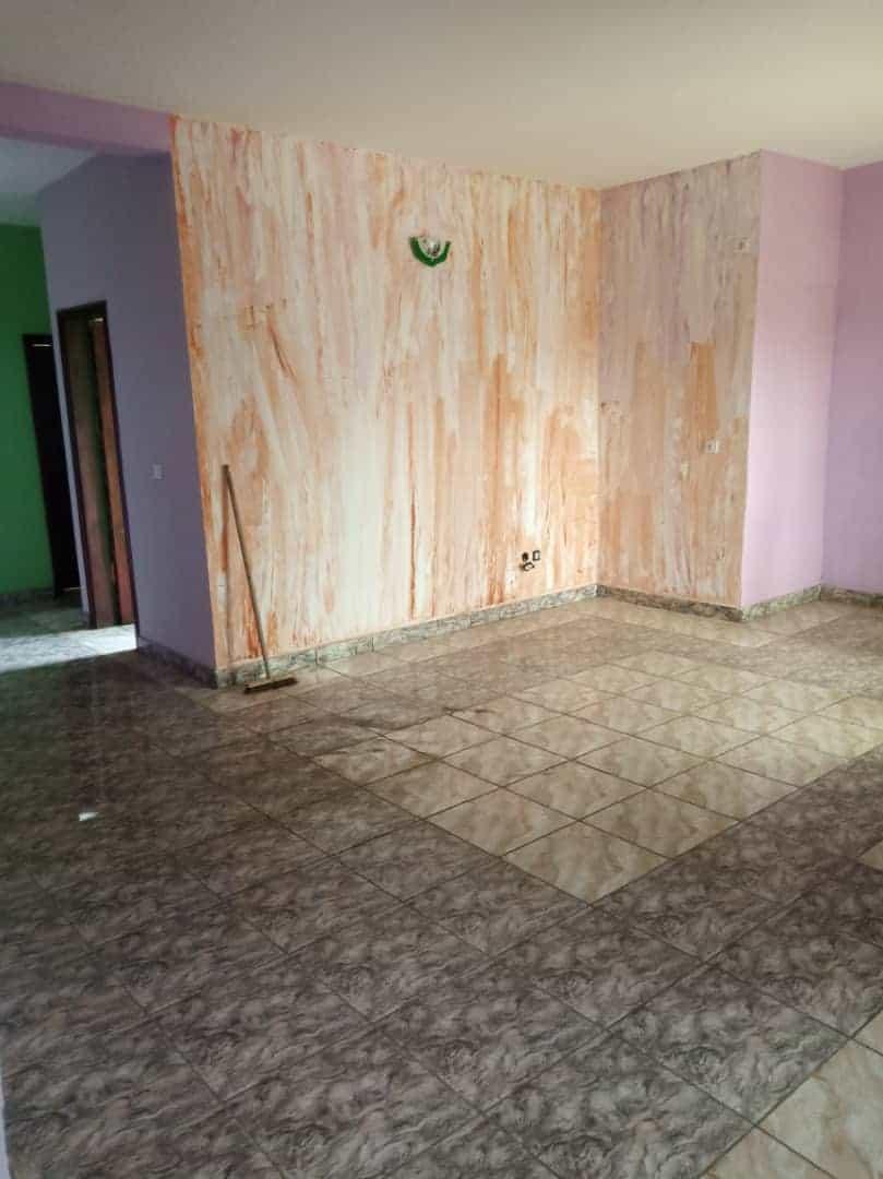 Apartment to rent - Douala, Logbaba, Ver LA sonel - 1 living room(s), 2 bedroom(s), 2 bathroom(s) - 120 000 FCFA / month