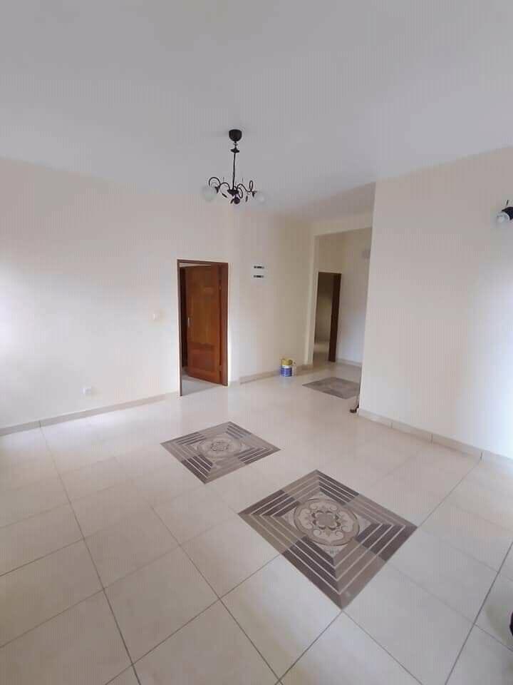 Apartment to rent - Douala, Kotto, Ver la station Neptune - 1 living room(s), 2 bedroom(s), 3 bathroom(s) - 150 000 FCFA / month