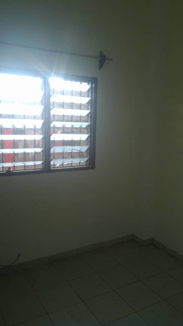 Apartment to rent - Douala, Makepe, Ver tradex station - 1 living room(s), 1 bedroom(s), 1 bathroom(s) - 60 000 FCFA / month
