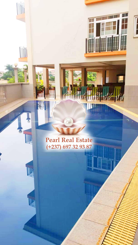 Appartement à louer - Yaoundé, Bastos, Bastos - 1 salon(s), 3 chambre(s), 3 salle(s) de bains - 1 500 000 FCFA / mois