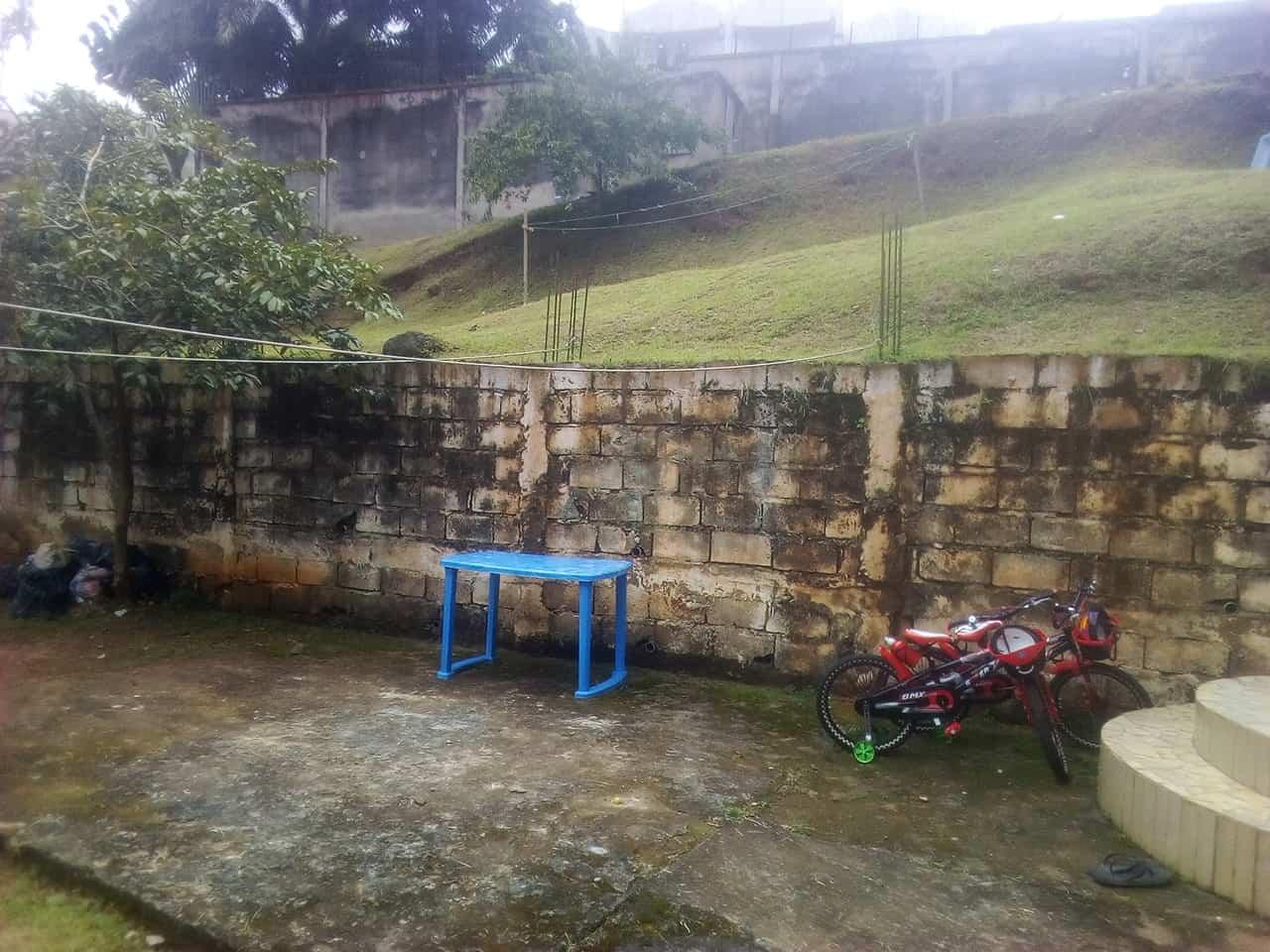 Land for sale at Yaoundé, Bastos, pas loin de lambassade ditalie - 600 m2 - 200 000 000 FCFA