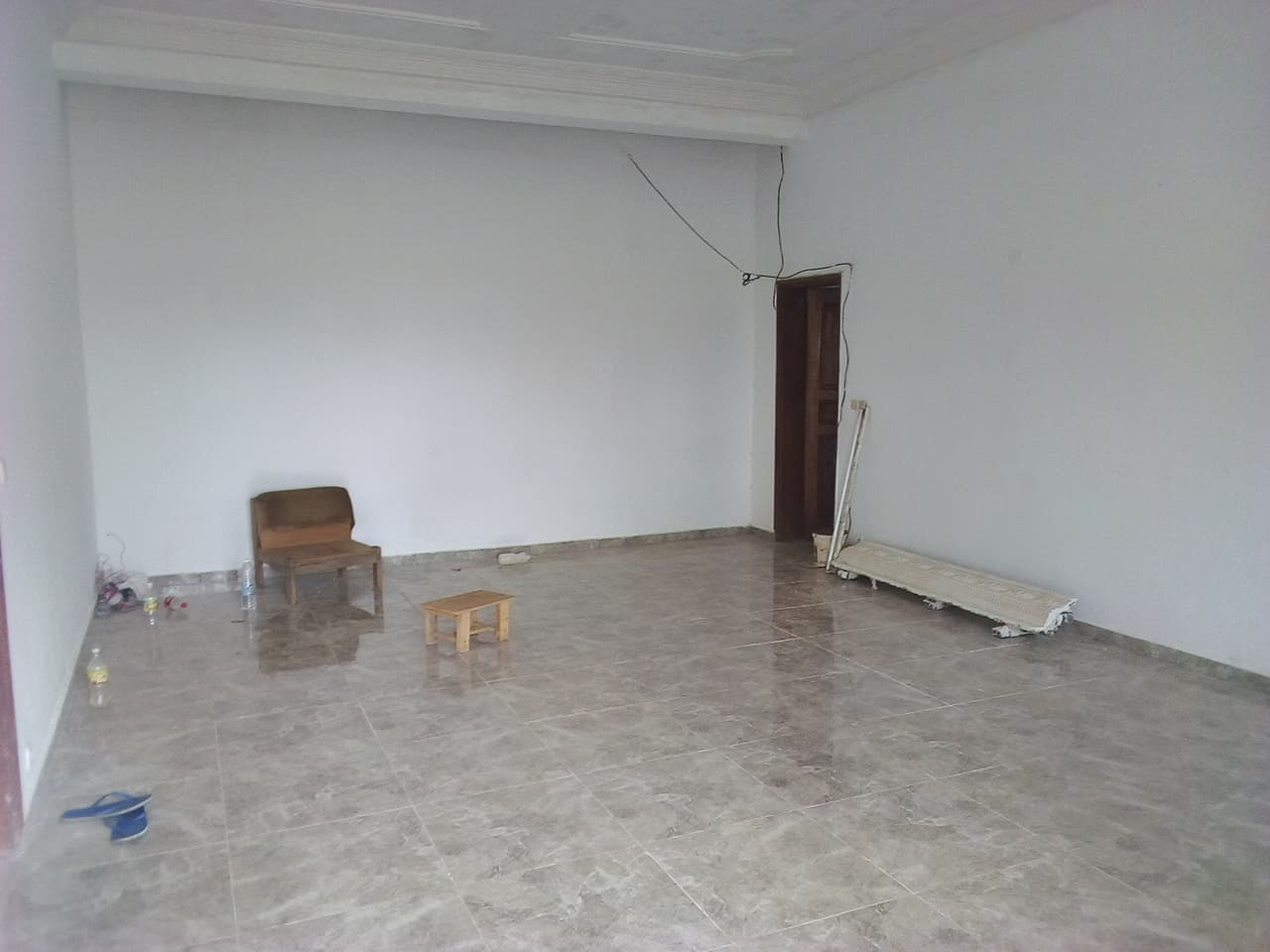 House (Villa) to rent - Yaoundé, Bastos, pas loin du black - 1 living room(s), 4 bedroom(s), 3 bathroom(s) - 1 200 000 FCFA / month