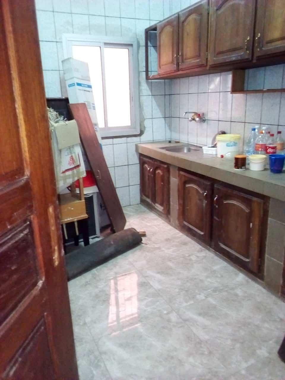 House (Villa) to rent - Yaoundé, Bastos, pas loin du black - 1 living room(s), 4 bedroom(s), 3 bathroom(s) - 1 200 000 FCFA / month