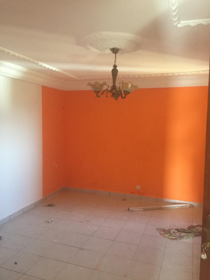 Apartment to rent - Douala, Bonamoussadi, Ver carrefour éto'o - 1 living room(s), 1 bedroom(s), 1 bathroom(s) - 75 000 FCFA / month