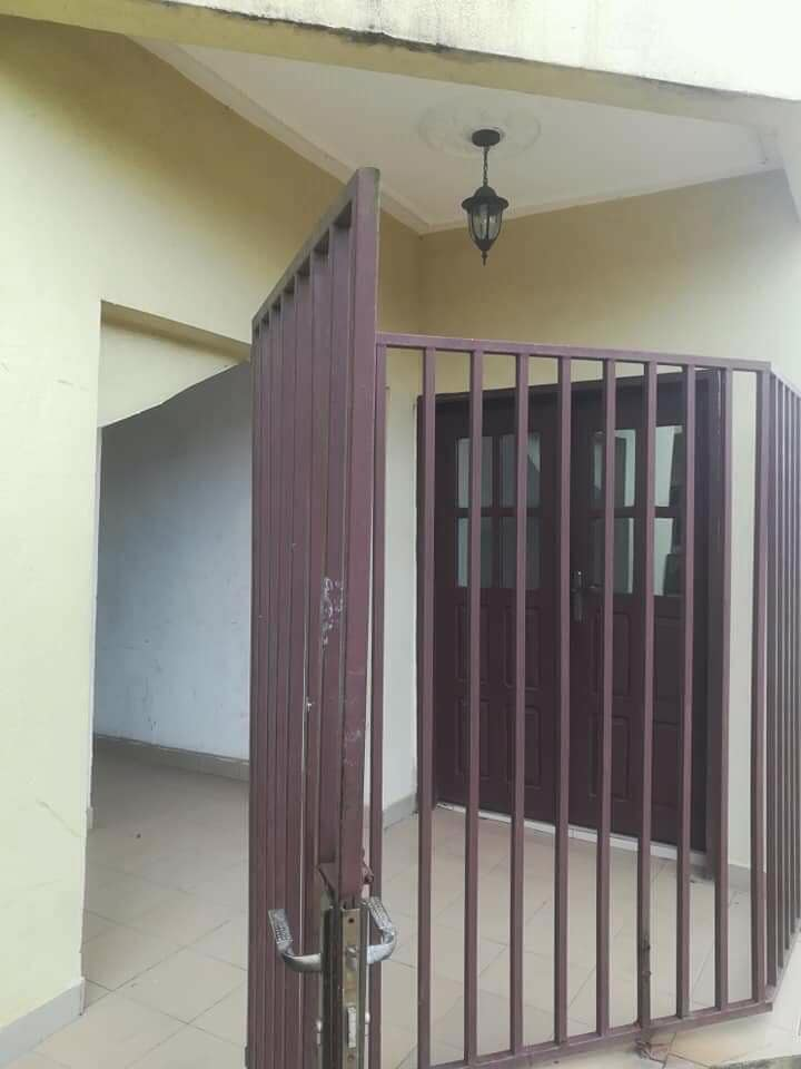 Apartment to rent - Douala, Deido, Ver coaf - 1 living room(s), 1 bedroom(s), 1 bathroom(s) - 100 000 FCFA / month