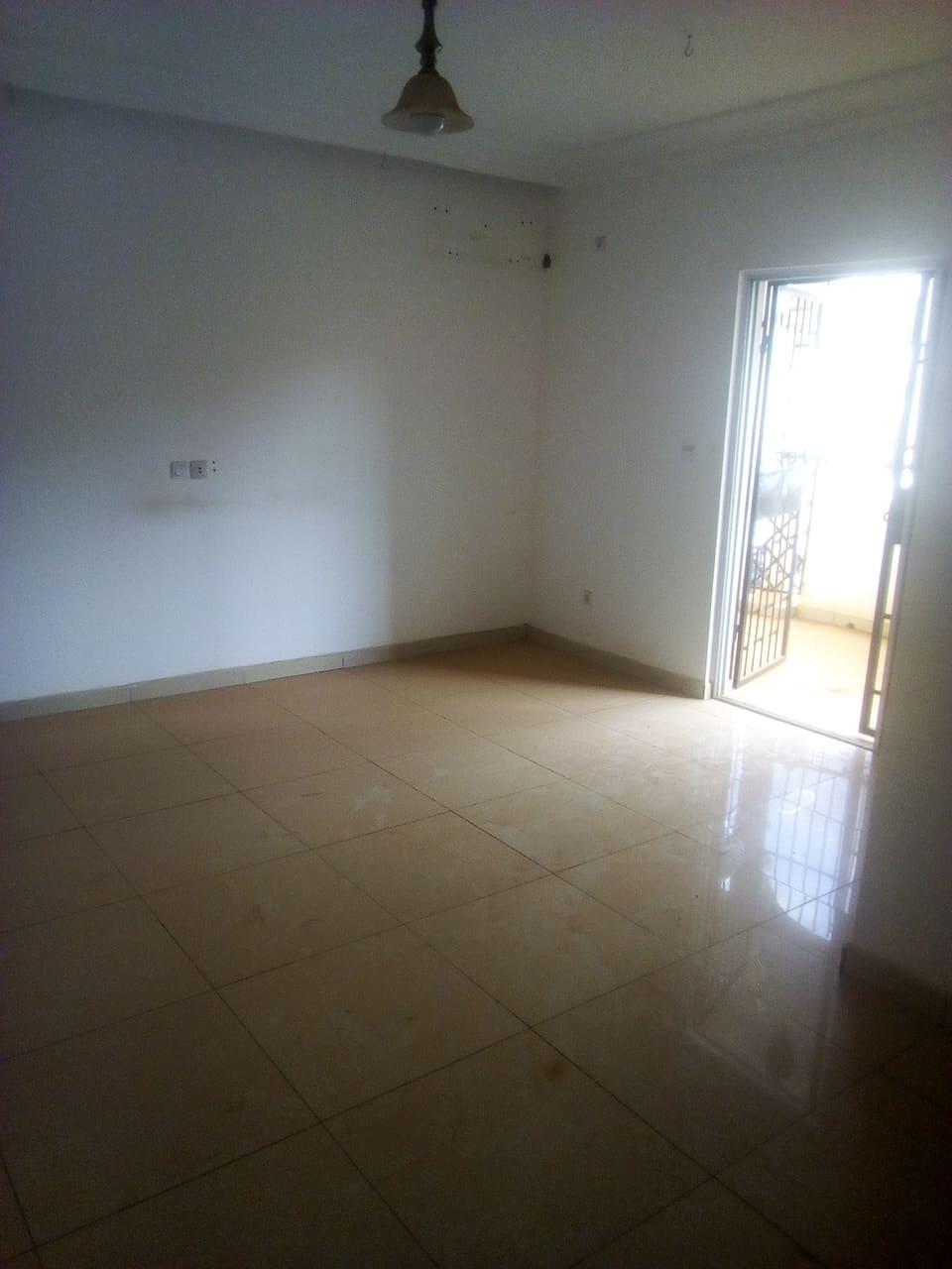Apartment to rent - Yaoundé, Bastos, golf - 1 living room(s), 3 bedroom(s), 4 bathroom(s) - 700 000 FCFA / month