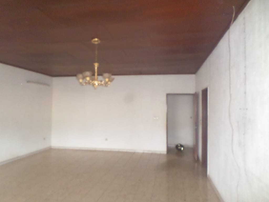 Apartment to rent - Yaoundé, Bastos, osypol - 1 living room(s), 3 bedroom(s), 3 bathroom(s) - 350 000 FCFA / month