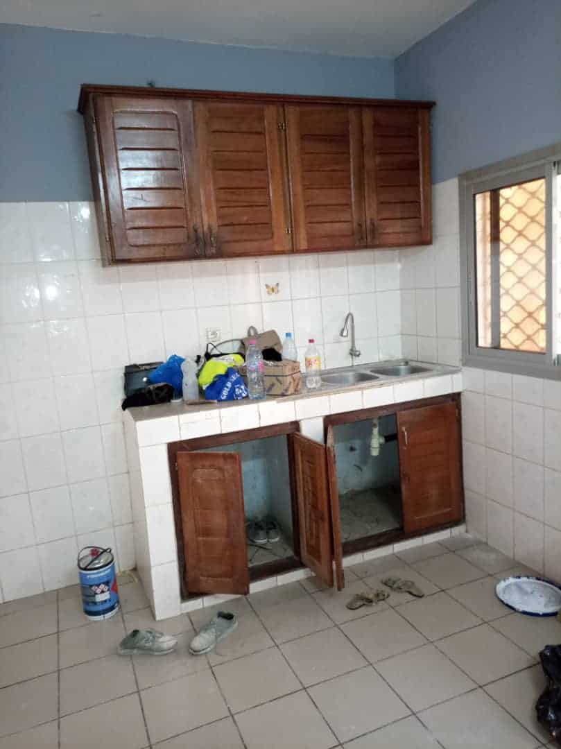 Apartment to rent - Douala, Bonamoussadi, Ver le st james - 1 living room(s), 2 bedroom(s), 2 bathroom(s) - 200 000 FCFA / month