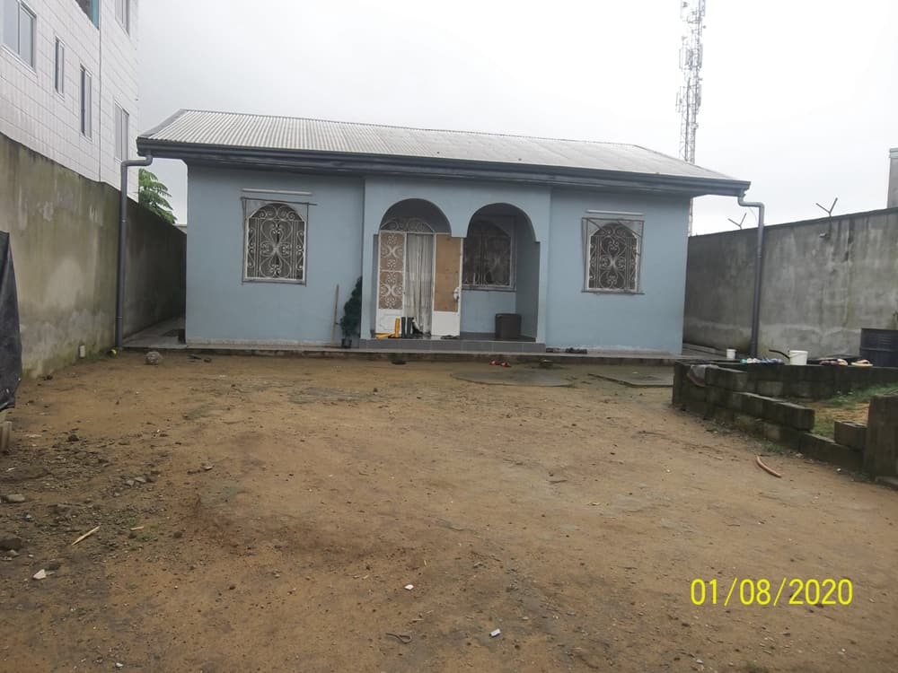 House (Villa) for sale - Douala, Yassa, Maetur - 1 living room(s), 3 bedroom(s), 2 bathroom(s) - 45 000 000 FCFA / month