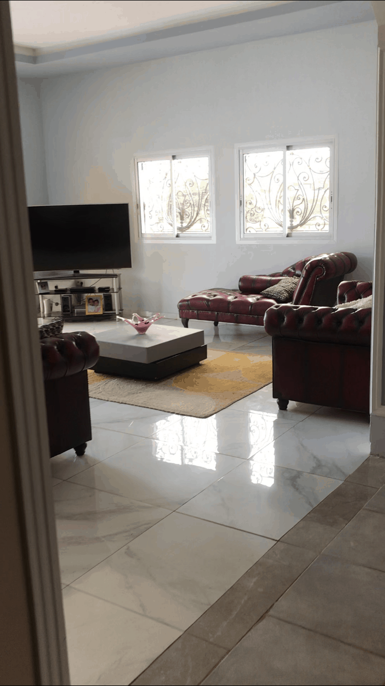 House (Villa) to rent - Yaoundé, Nkolfoulou, Monte saplait - 1 living room(s), 4 bedroom(s), 3 bathroom(s) - 650 000 FCFA / month