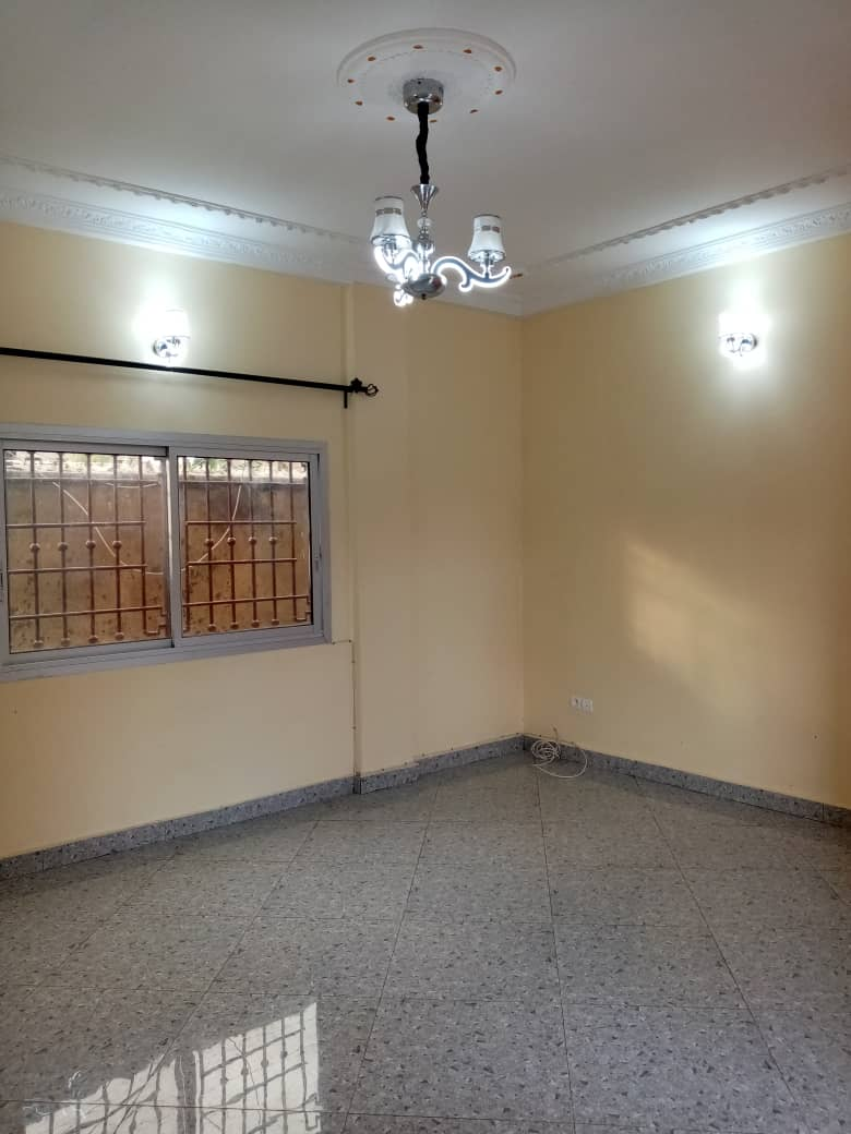 Apartment to rent - Douala, Logpom, Ver bassong - 1 living room(s), 2 bedroom(s), 2 bathroom(s) - 125 000 FCFA / month