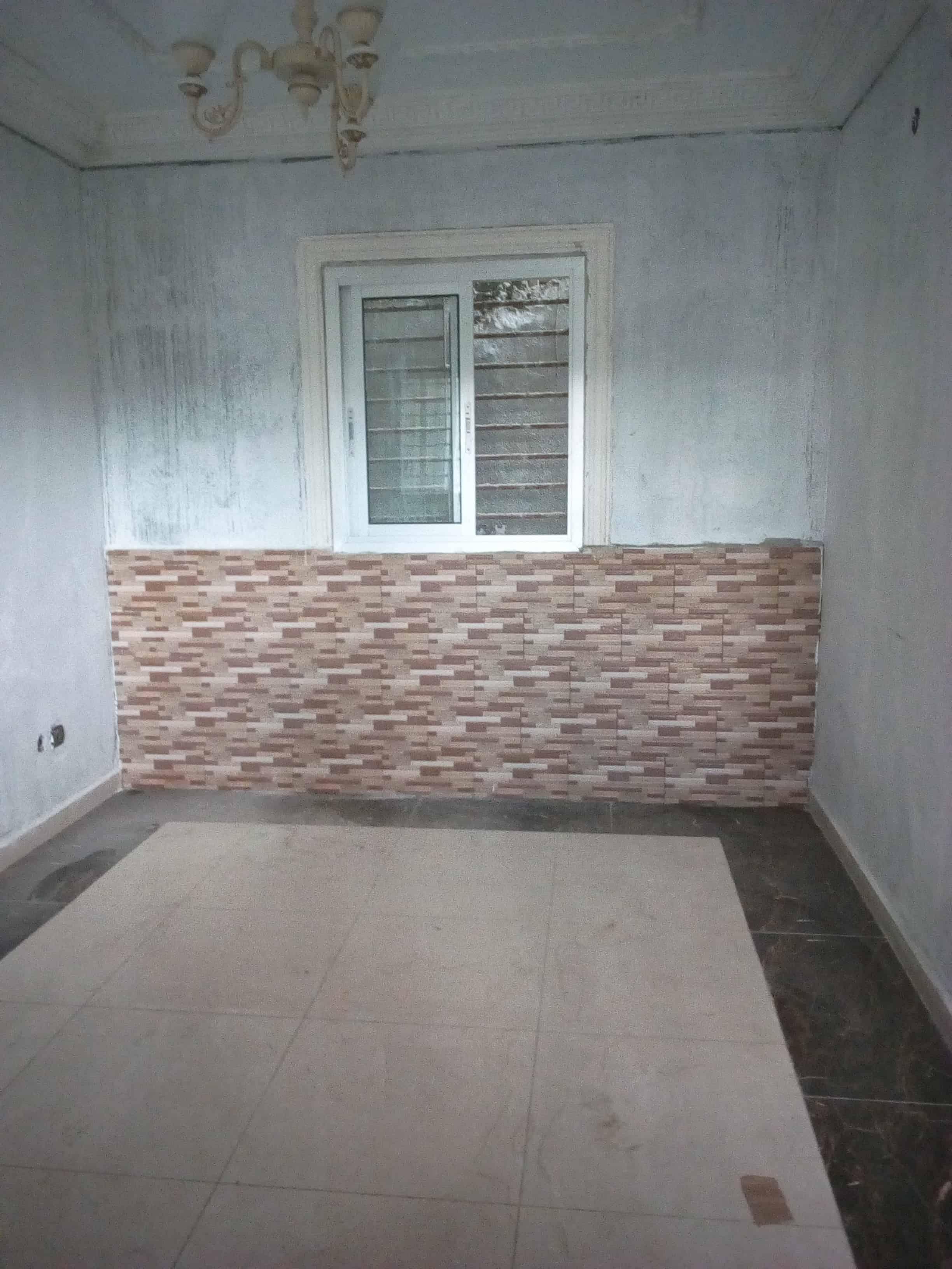 Studio to rent - Douala, Logpom, Basson - 40 000 FCFA / month