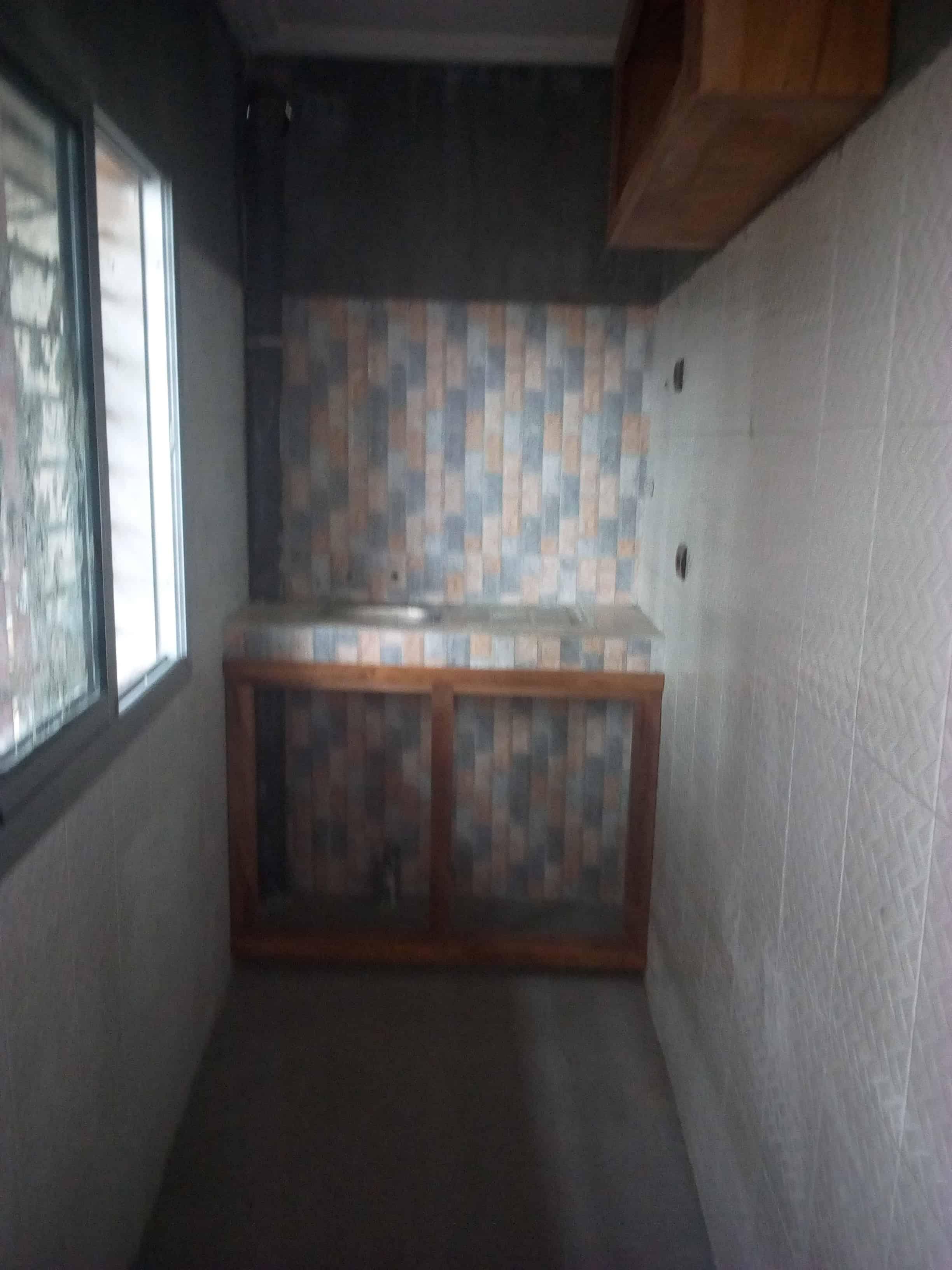 Apartment to rent - Douala, Logpom, Basson - 1 living room(s), 1 bedroom(s), 1 bathroom(s) - 70 000 FCFA / month