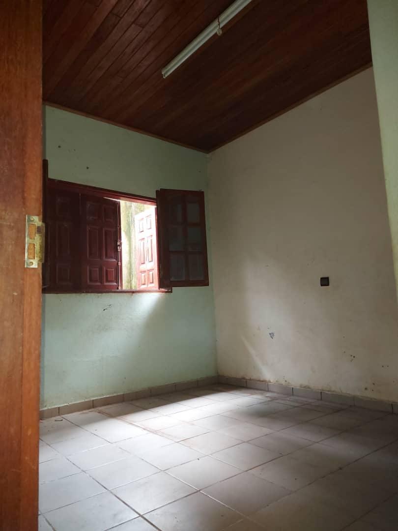 House (Villa) to rent - Douala, PK 11, C'est a pk12 - 1 living room(s), 3 bedroom(s), 3 bathroom(s) - 120 000 FCFA / month