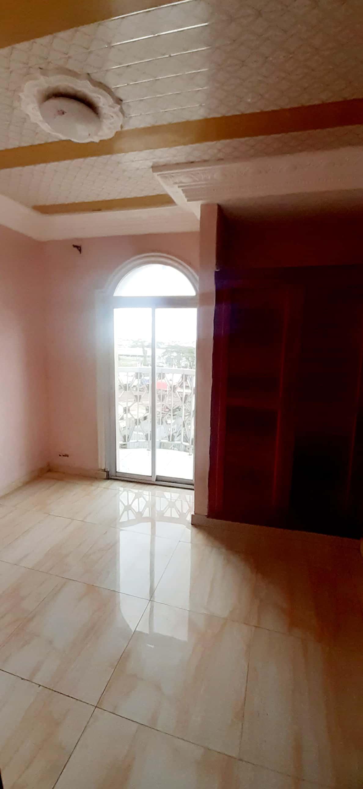 Apartment to rent - Douala, Kotto, Kotto à la Résidence Kotto - 1 living room(s), 2 bedroom(s), 1 bathroom(s) - 130 FCFA / month