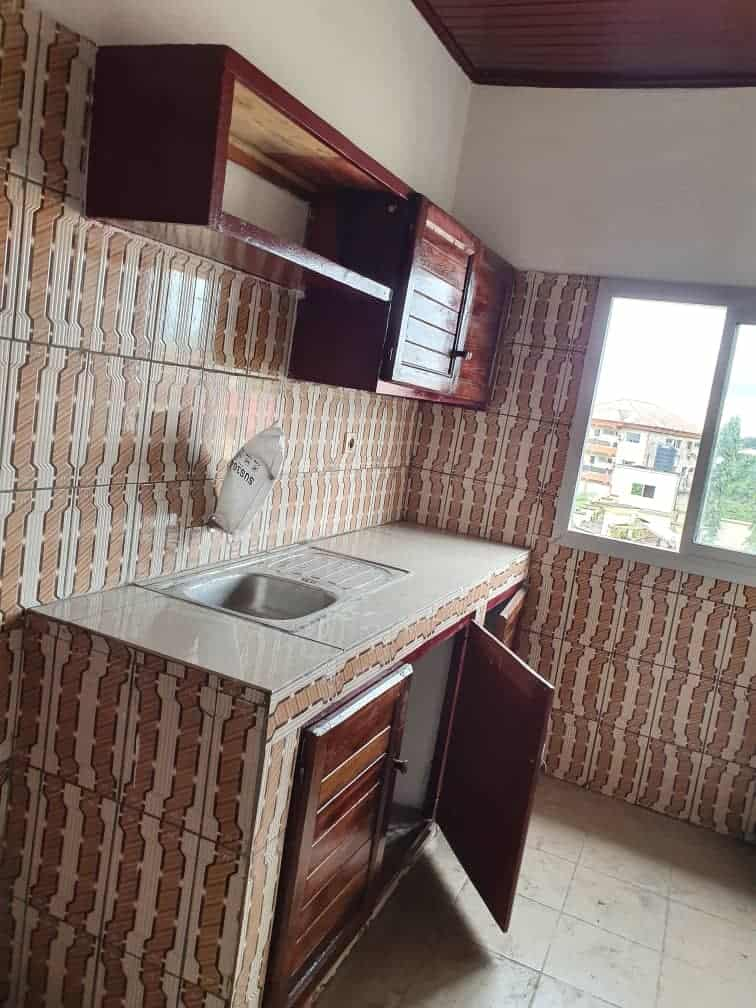 Apartment to rent - Douala, Bonamoussadi, Ver Denver - 1 living room(s), 1 bedroom(s), 1 bathroom(s) - 120 000 FCFA / month