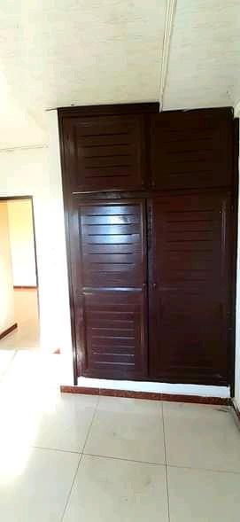 Apartment to rent - Douala, Logbessou I, Après la station nickel oil - 1 living room(s), 1 bedroom(s), 1 bathroom(s) - 80 000 FCFA / month