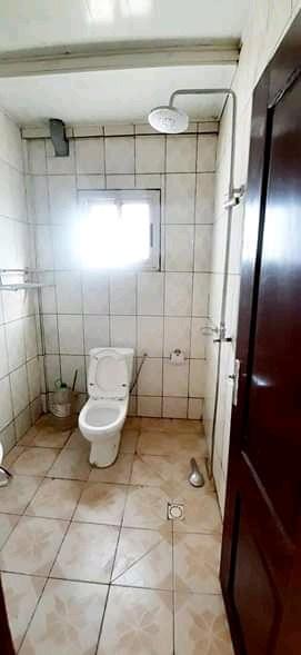 Appartement à louer - Douala, Logbessou I, Après la station nickel oil - 1 salon(s), 1 chambre(s), 1 salle(s) de bains - 80 000 FCFA / mois