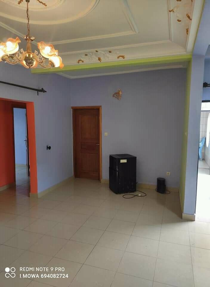 Apartment to rent - Douala, Kotto, Derrière la station Neptune - 1 living room(s), 2 bedroom(s), 2 bathroom(s) - 140 000 FCFA / month