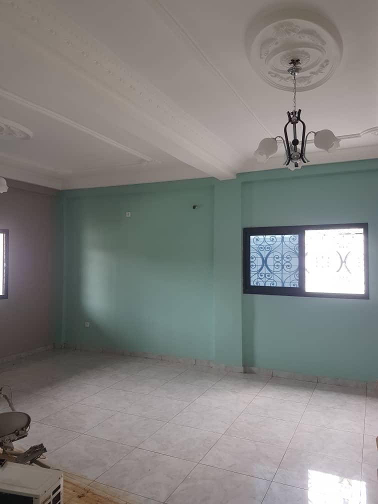 Apartment to rent - Douala, Bonamoussadi, Ver hôtel mbanya - 1 living room(s), 3 bedroom(s), 4 bathroom(s) - 300 000 FCFA / month
