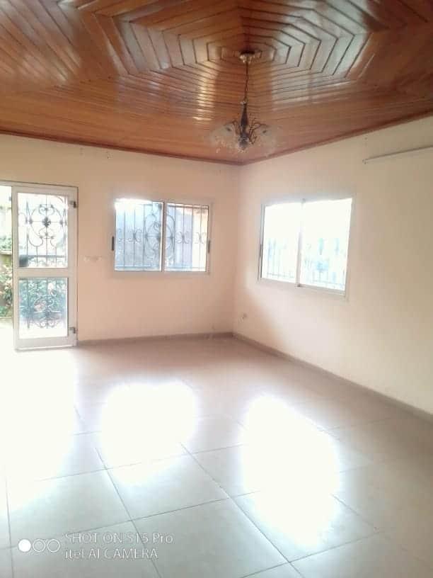 House (Villa) to rent - Douala, Makepe, Ver st Tropez - 1 living room(s), 3 bedroom(s), 2 bathroom(s) - 200 000 FCFA / month