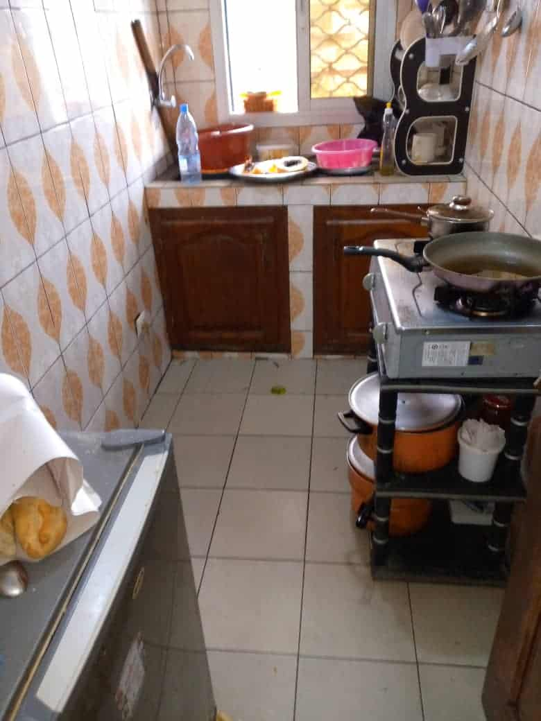 Apartment to rent - Douala, Makepe, Ver l'église Catholic - 1 living room(s), 1 bedroom(s), 1 bathroom(s) - 70 000 FCFA / month