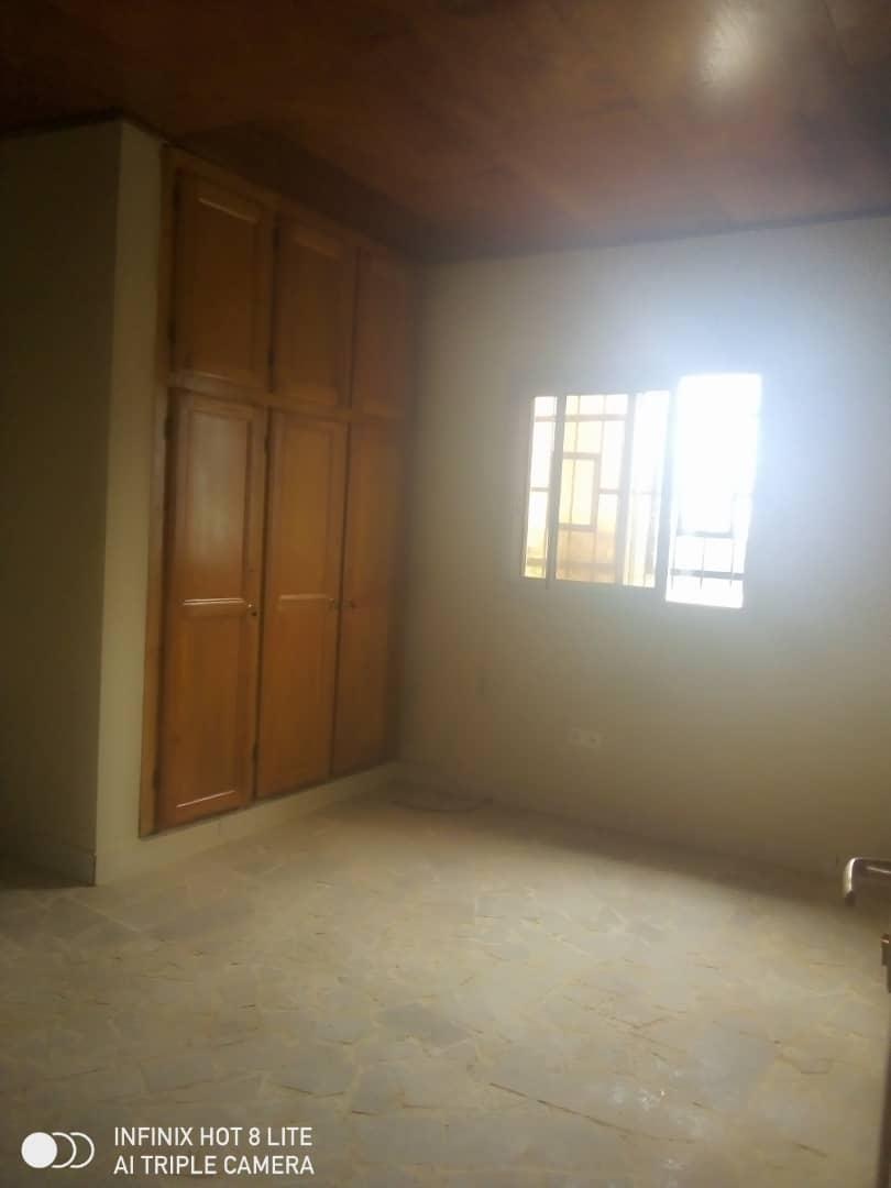 Apartment to rent - Douala, PK 11, C'est a pk12 - 1 living room(s), 2 bedroom(s), 2 bathroom(s) - 90 000 FCFA / month