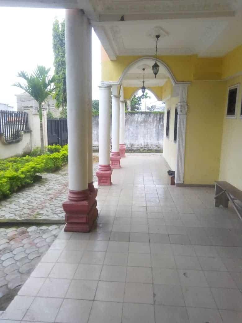 House (Villa) to rent - Douala, Makepe, Ver bloc L - 1 living room(s), 3 bedroom(s), 3 bathroom(s) - 300 000 FCFA / month