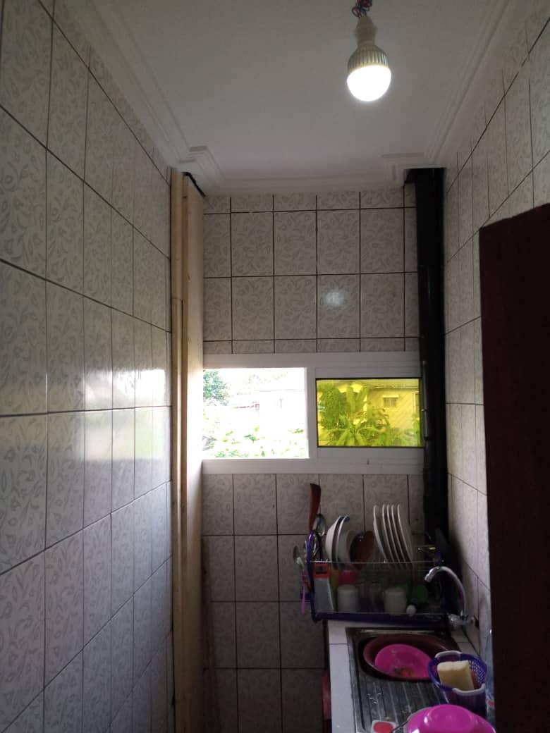 Apartment to rent - Douala, Logbessou II, Ver carrefour logbessou - 1 living room(s), 2 bedroom(s), 2 bathroom(s) - 80 000 FCFA / month