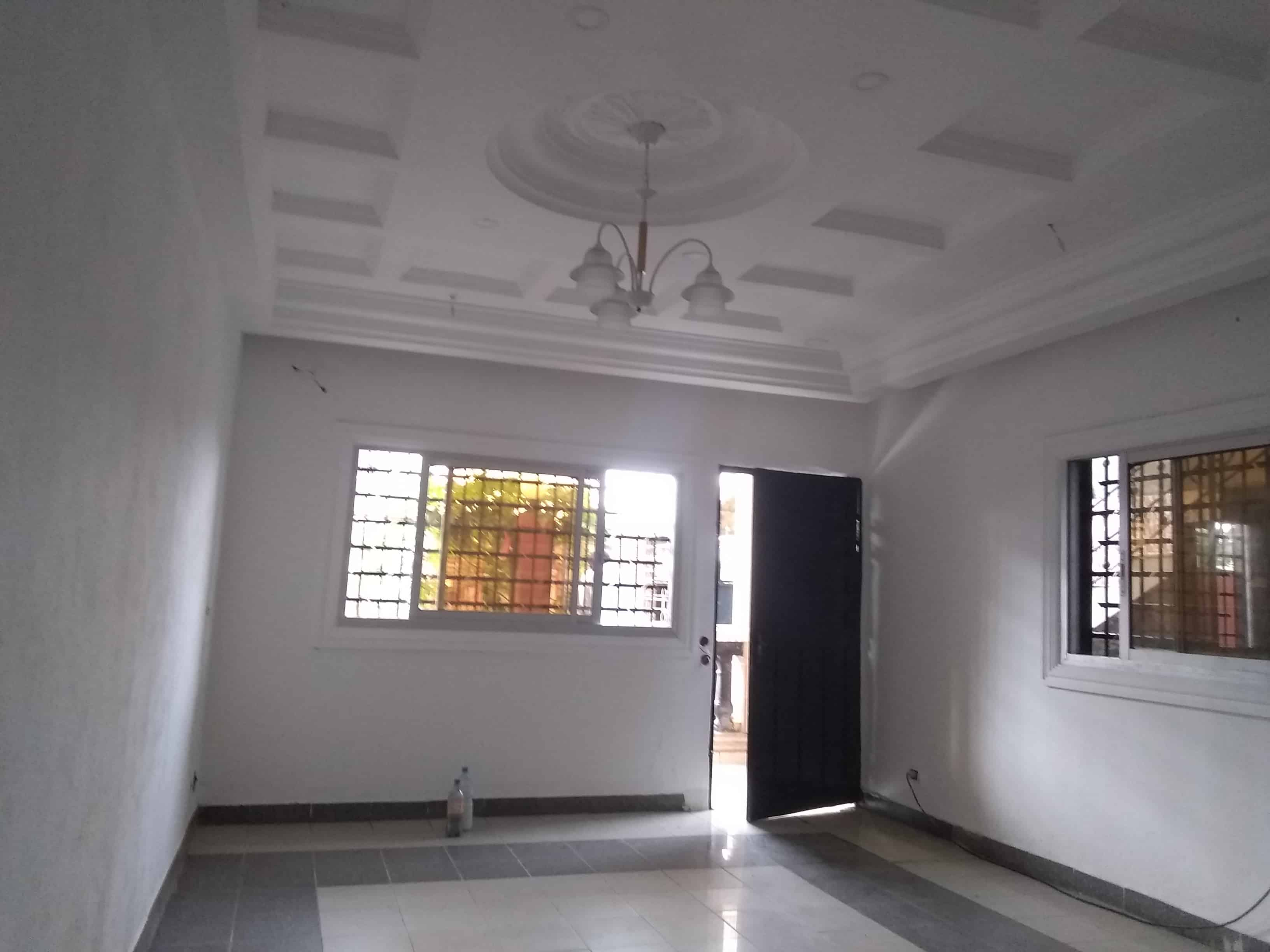 "Apartment to rent - Douala, Logpom, Carrefour"" Gabon bar"" - 1 living room(s), 1 bedroom(s), 1 bathroom(s) - 90 000 FCFA / month"