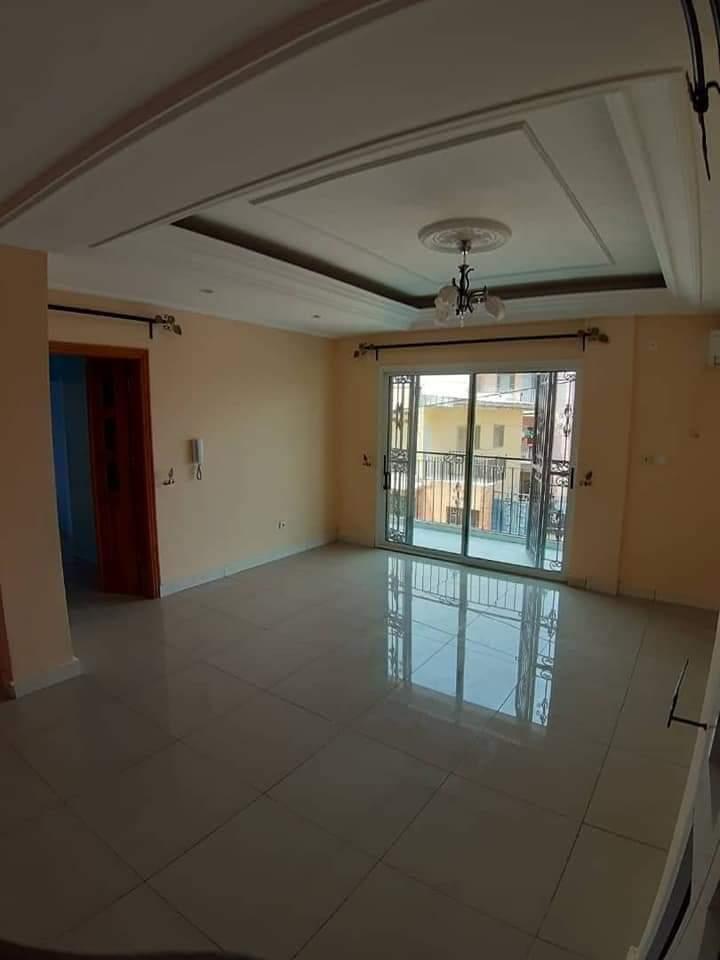 Apartment to rent - Douala, Bonamoussadi, A denver - 1 living room(s), 2 bedroom(s), 3 bathroom(s) - 225 000 FCFA / month