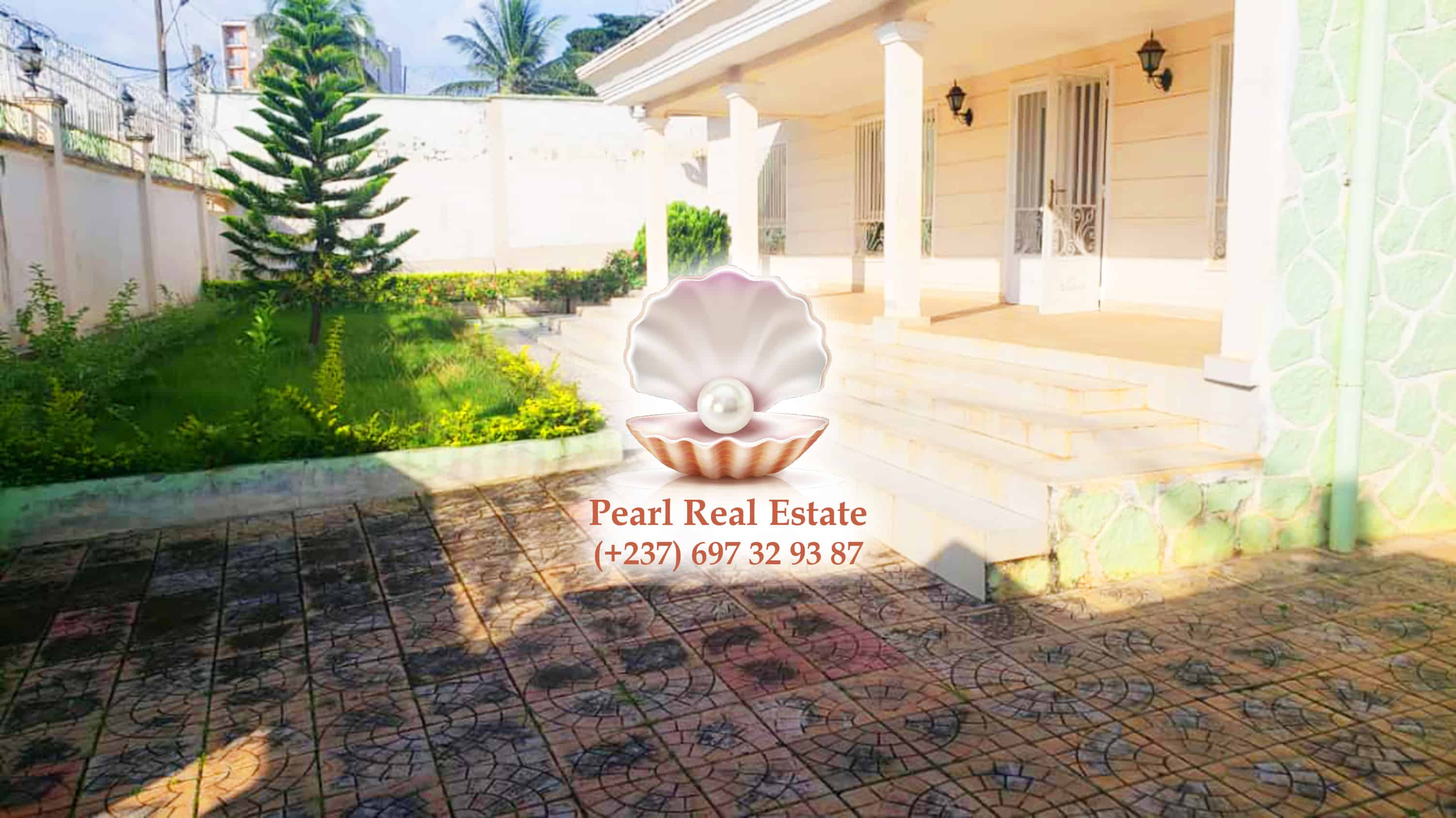 House (Villa) to rent - Yaoundé, Abome, Bastos - 1 living room(s), 4 bedroom(s), 4 bathroom(s) - 1 500 000 FCFA / month