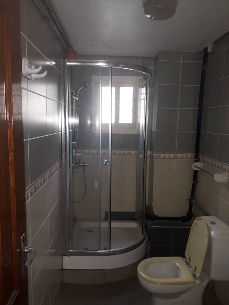 Apartment to rent - Douala, Bonamoussadi, A denver - 1 living room(s), 3 bedroom(s), 3 bathroom(s) - 400 000 FCFA / month
