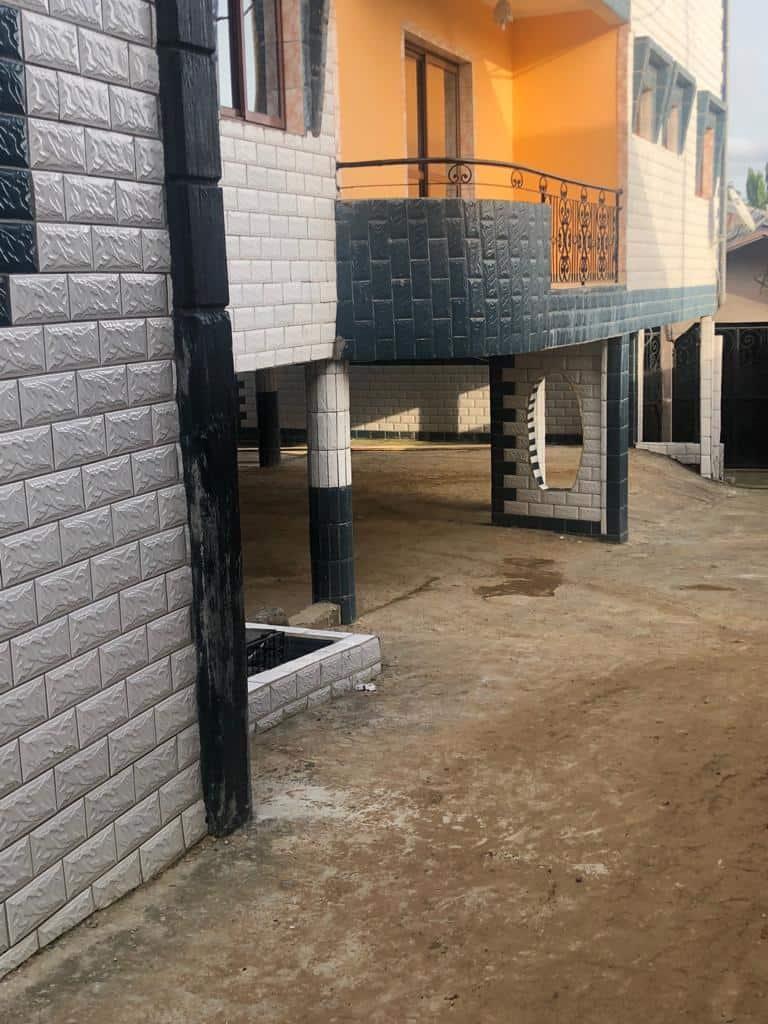 Apartment to rent - Douala, Logbaba, Ver LA sonel - 1 living room(s), 2 bedroom(s), 2 bathroom(s) - 125 000 FCFA / month