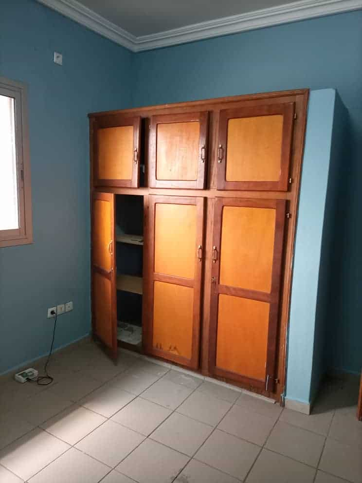 Apartment to rent - Douala, Makepe, Ver BM - 1 living room(s), 2 bedroom(s), 2 bathroom(s) - 135 000 FCFA / month
