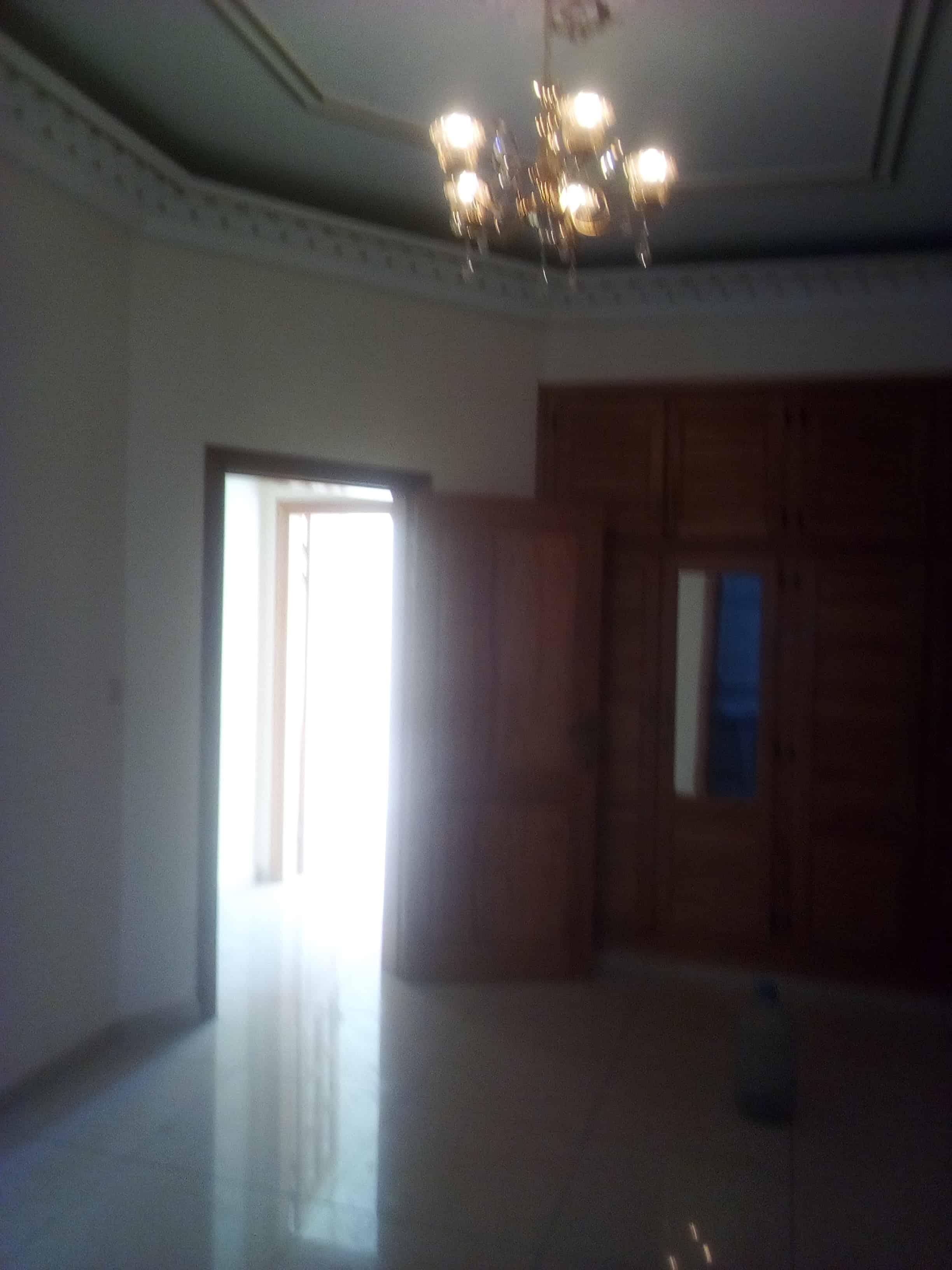 Apartment to rent - Yaoundé, Bastos, Ambassade de chine - 1 living room(s), 1 bedroom(s), 2 bathroom(s) - 350 000 FCFA / month