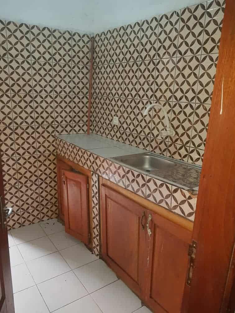 Apartment to rent - Douala, Akwa I, Ver bloc L - 1 living room(s), 2 bedroom(s), 2 bathroom(s) - 120 000 FCFA / month