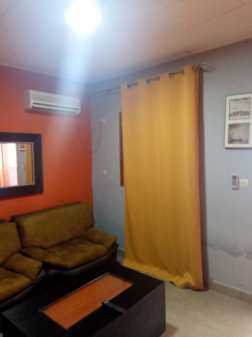 Apartment to rent - Douala, Ndogbong, Entrée Citadelle - 1 living room(s), 2 bedroom(s), 1 bathroom(s) - 40 000 FCFA / month