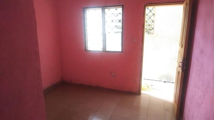 Studio to rent - Douala, Cité SIC, Derrière Santa Lucia - 30 000 FCFA / month