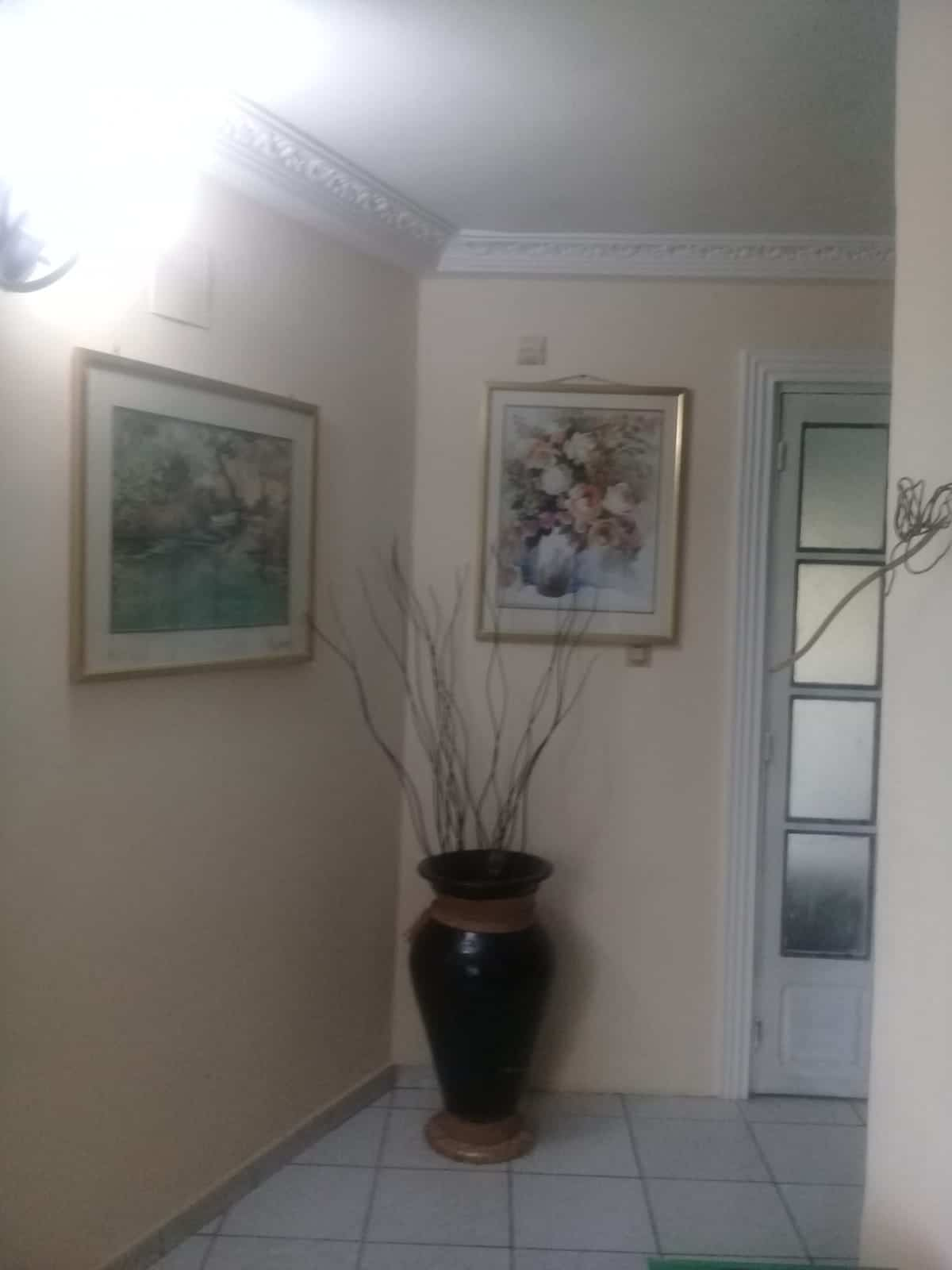 House (Duplex) for sale - Douala, Yassa, Route du stade au niveau de la total - 2 living room(s), 4 bedroom(s), 4 bathroom(s) - 125 000 000 FCFA / month