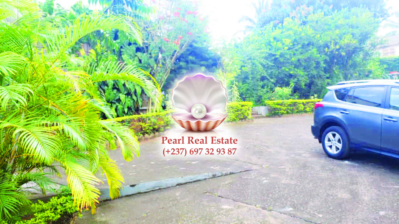House (Villa) to rent - Yaoundé, Abome, Bastos - 1 living room(s), 4 bedroom(s), 3 bathroom(s) - 2 500 000 FCFA / month
