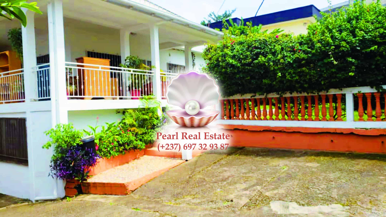 House (Villa) to rent - Yaoundé, Bastos, Bastos - 1 living room(s), 4 bedroom(s), 4 bathroom(s) - 1 600 000 FCFA / month