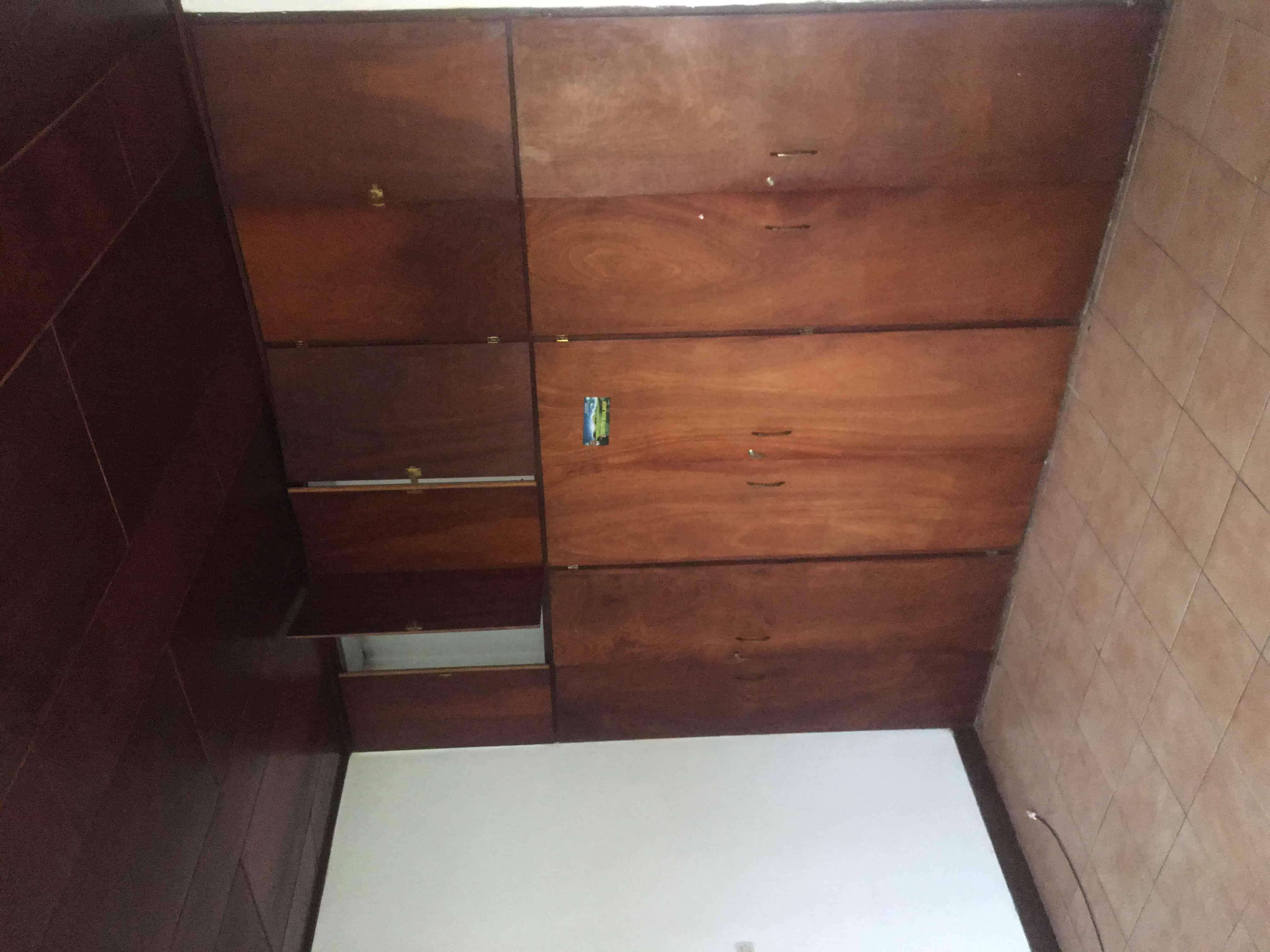 House (Villa) to rent - Yaoundé, Bastos, Nouvelle route - 1 living room(s), 4 bedroom(s), 3 bathroom(s) - 2 800 000 FCFA / month