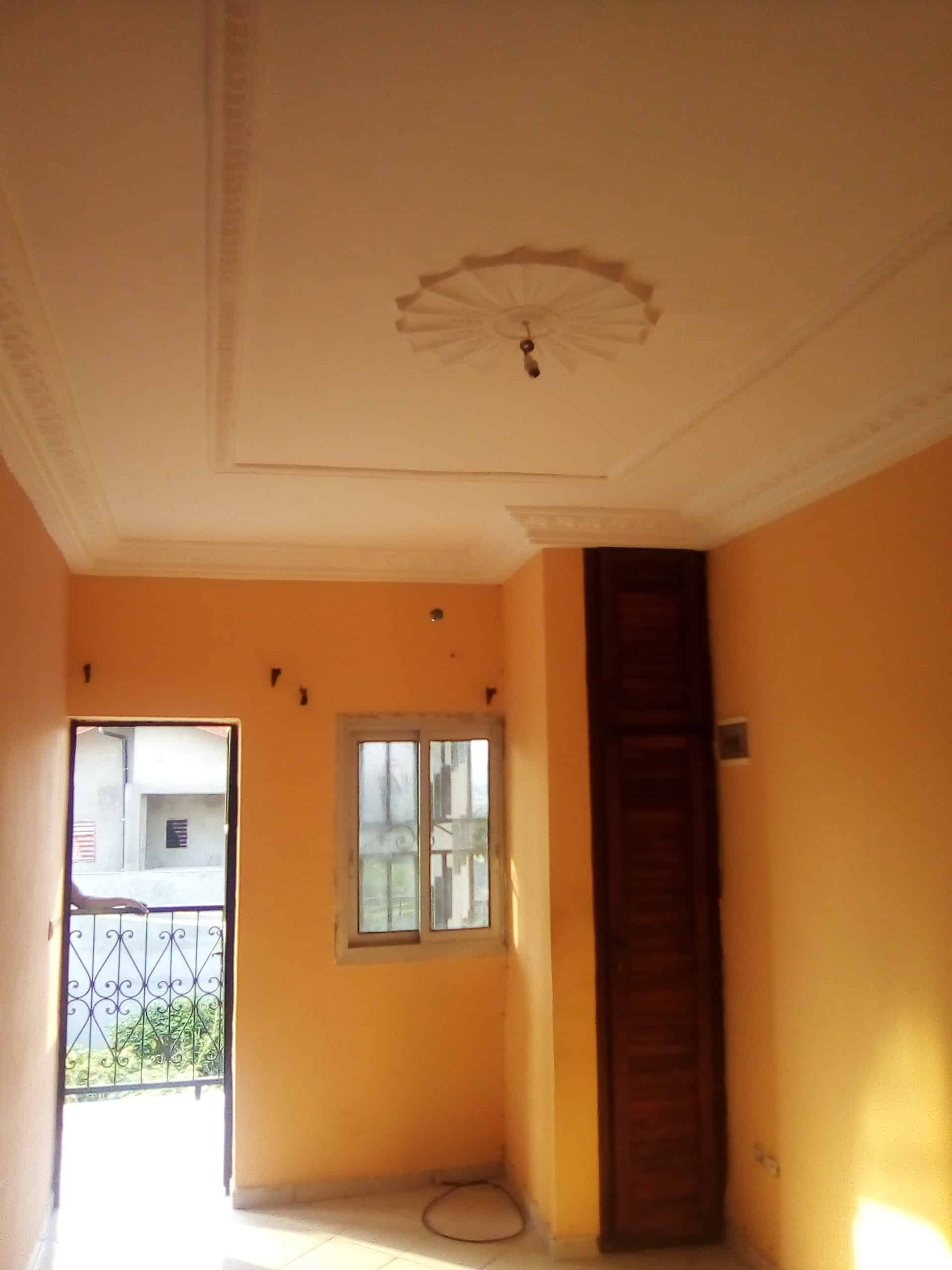 Studio to rent - Douala, Bangue, Vers le collège sofrane - 45 000 FCFA / month