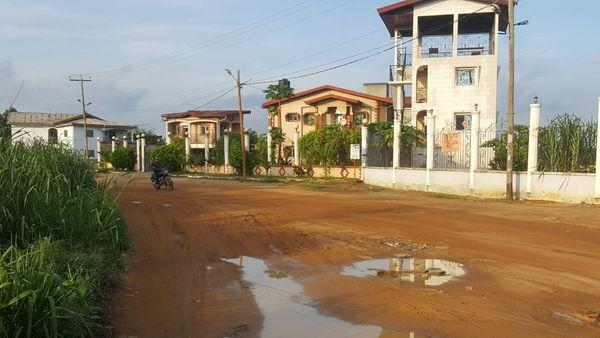 Land for sale at Douala, Lendi, entre la chefferie et le carrefour du Quartier Général et à moins de 300m du boulevard principal - 35000 m2 - 6 250 000 FCFA
