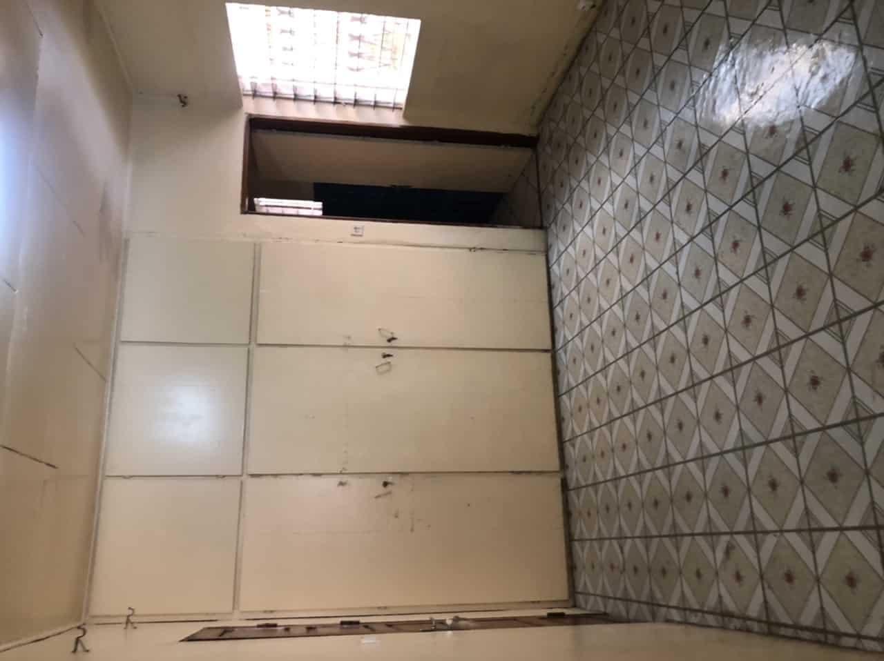 House (Villa) to rent - Yaoundé, Bastos, Nouvelle route Bastos - 2 living room(s), 3 bedroom(s), 3 bathroom(s) - 500 000 FCFA / month