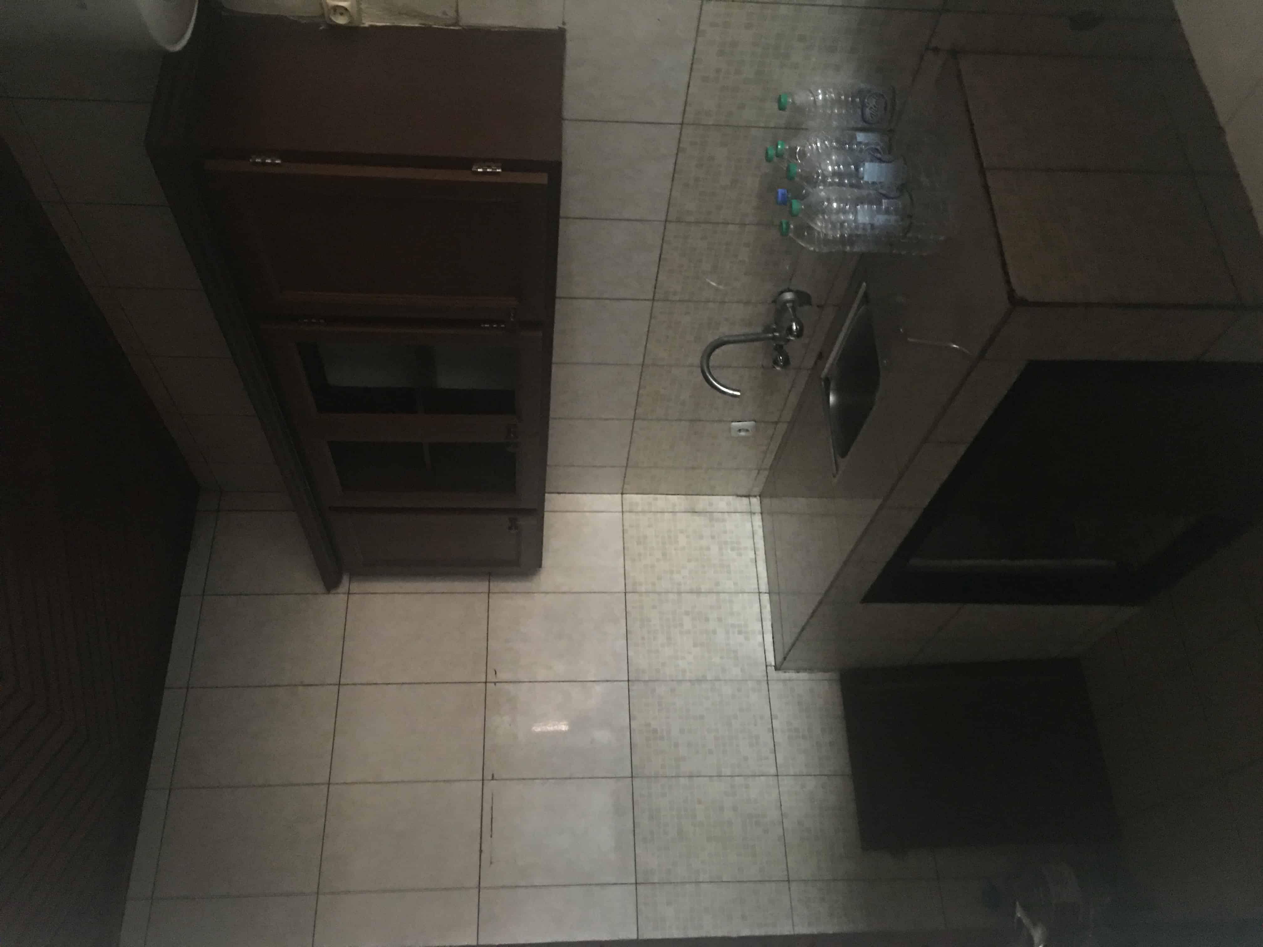 Apartment to rent - Yaoundé, Quartier Fouda, Carrefour - 1 living room(s), 2 bedroom(s), 1 bathroom(s) - 200 000 FCFA / month