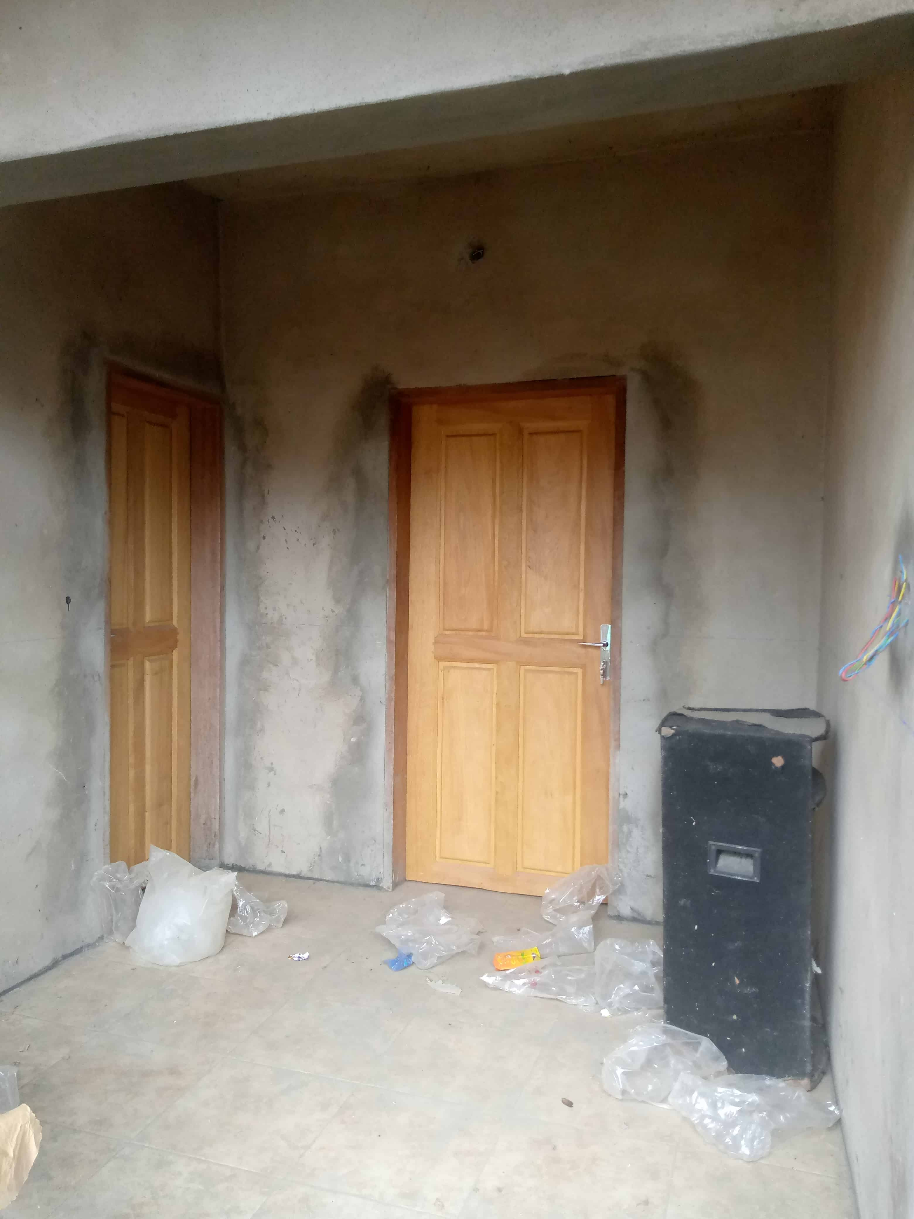 Apartment to rent - Douala, Logpom, Environs de la chefferie - 1 living room(s), 2 bedroom(s), 1 bathroom(s) - 90 000 FCFA / month