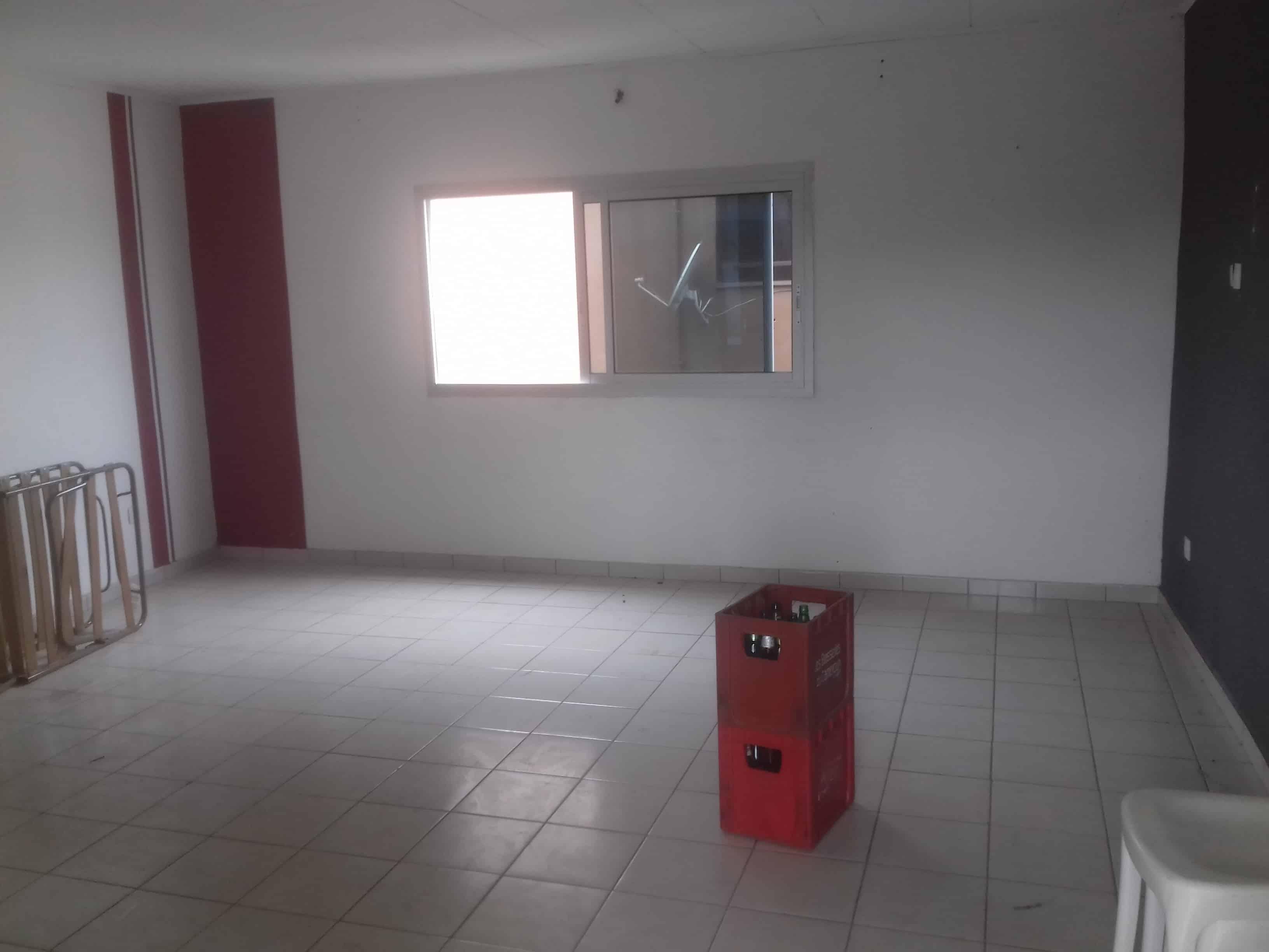 Apartment to rent - Douala, Bonamoussadi, Gendarmerie - 1 living room(s), 2 bedroom(s), 1 bathroom(s) - 130 000 FCFA / month