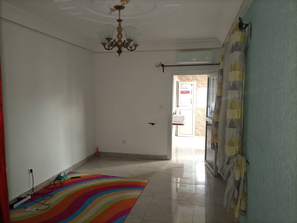 Apartment to rent - Douala, Makepe, Rhône poulen - 1 living room(s), 1 bedroom(s), 1 bathroom(s) - 85 000 FCFA / month